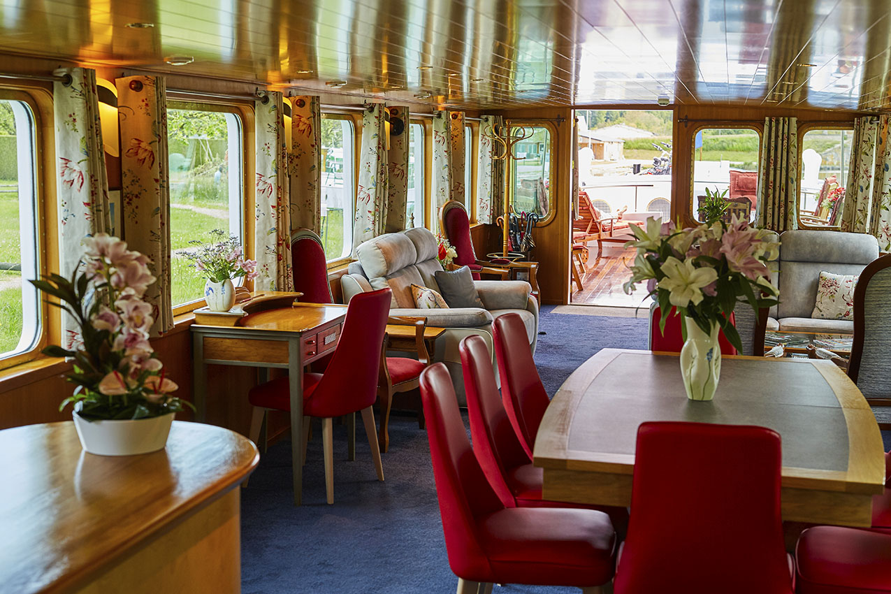 Hotel Barge