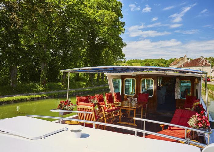 C'est La Vie Luxury Hotel Canal Barge exterior sun deck alternative view