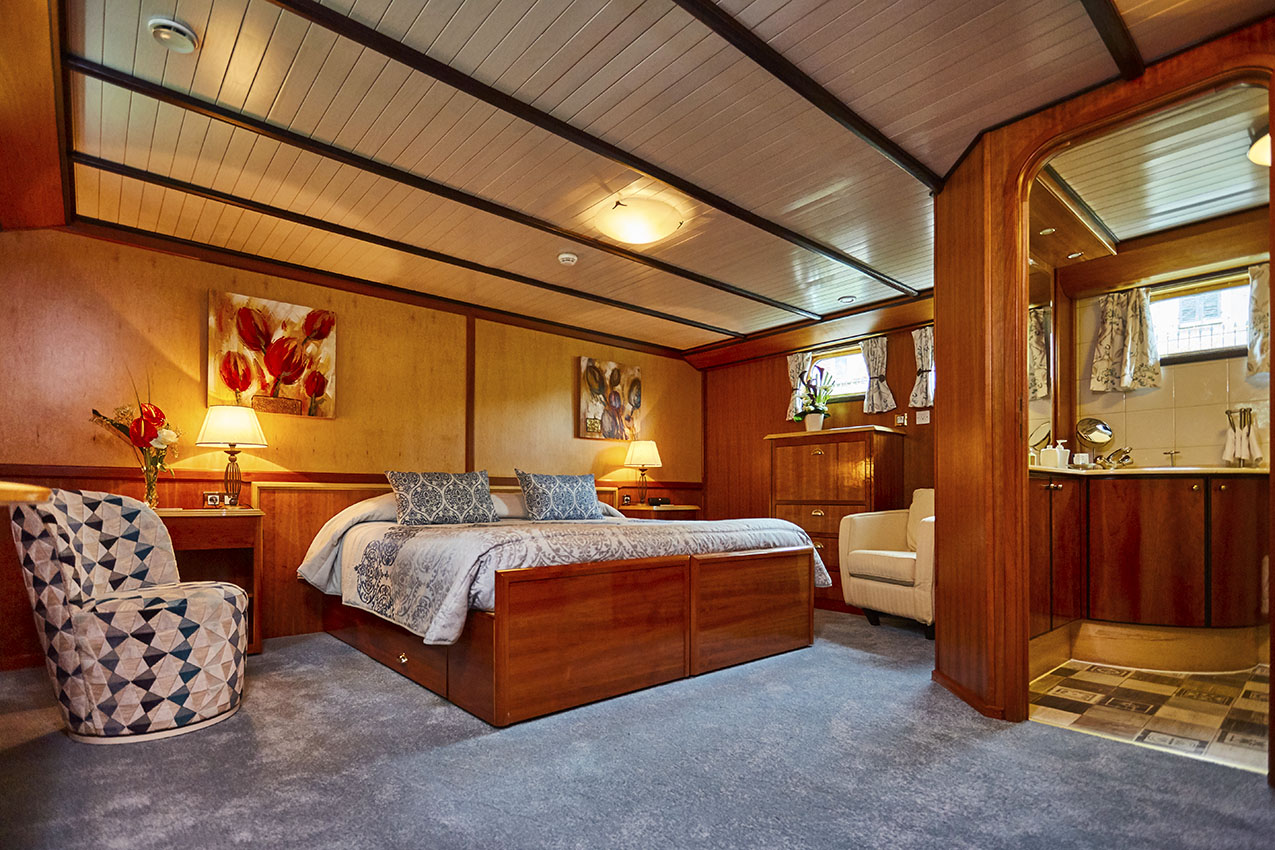 Luxurious accommodation on a river cruise in France