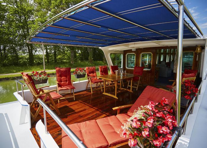 C'est La Vie Luxury Hotel exterior sun deck