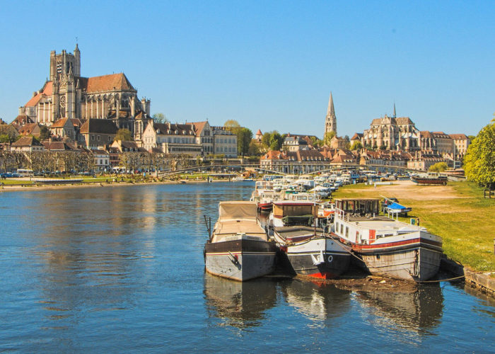 Auxerre stop on the Burgundy cruise route