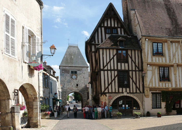 Noyers stop on the Burgundy cruise route