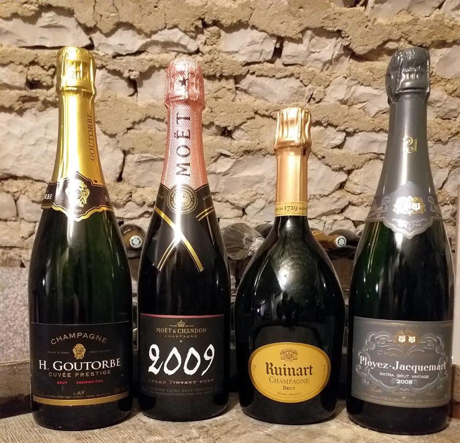 Champagnes on board the C'est La Vie Luxury Hotel Barge