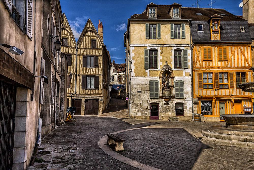 Architecture of Auxerre