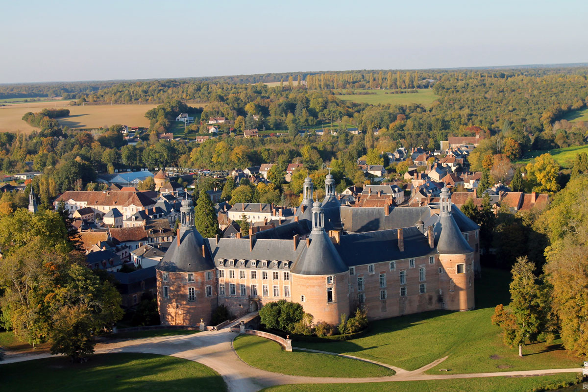 Chateau-de-Saint-Fargeau