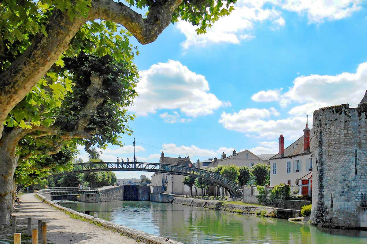 Montargis-Victor-Hugo-Bridge