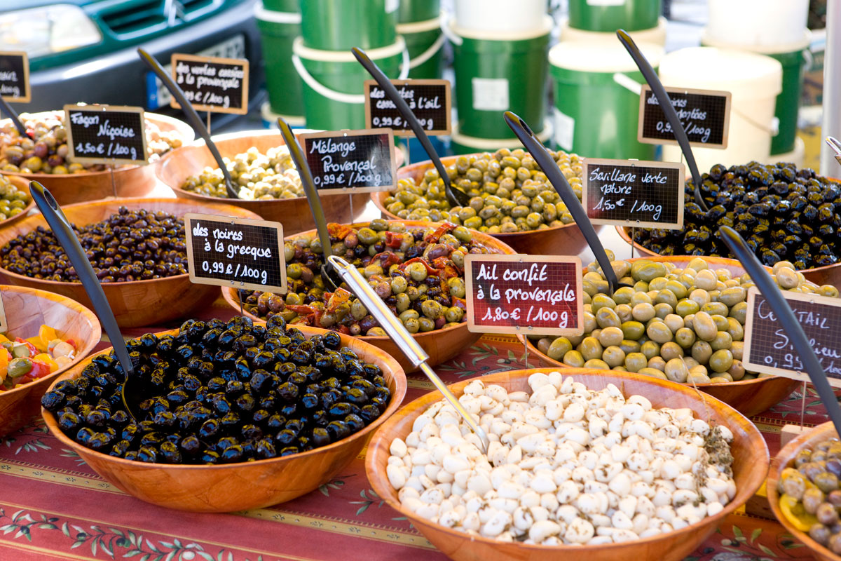 Olive-market-in-Provence