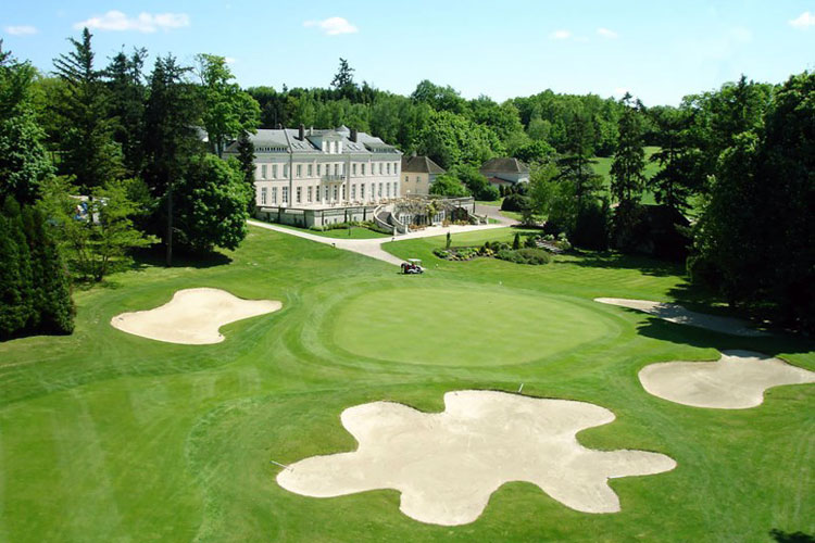 Domaine de Vaugouard, Chateau & Golf course on the Upper Loire Golf Barge Cruise